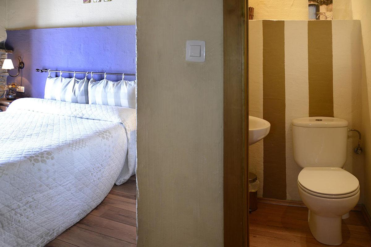 Anboto: Habitación doble y baño